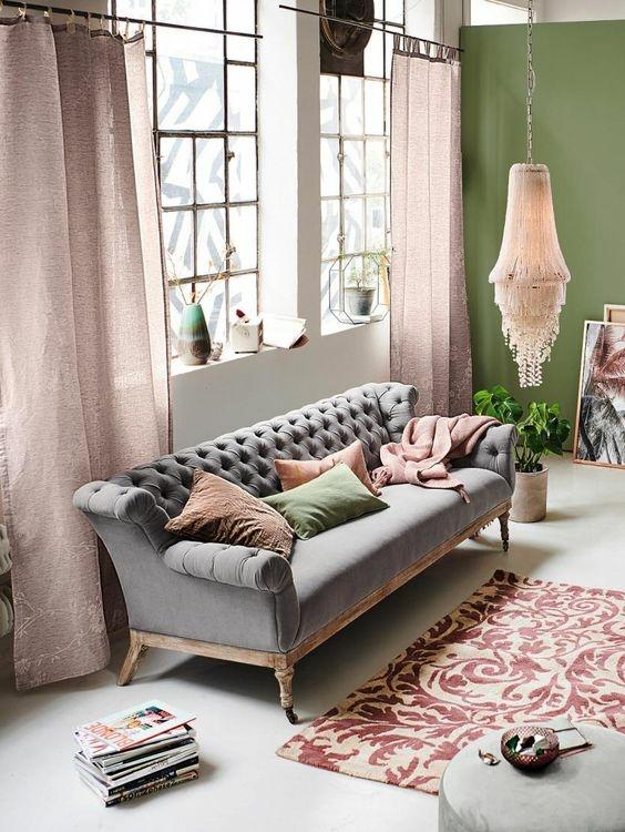 Szürke színű rusztikus kanapé